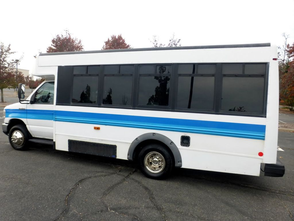 2009 Ford E450 Girardin Non-CDL Wheelchair Shuttle Bus For Senior Tour Charters Student Church Hotel Transport - 18220363 - 4