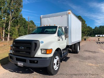2009 Ford F750 NON CDL JUST 40k MILES ONE OWNER LIFT GATE 6.7 CUMMINS TURBO!! PUSH BUTTON ALLISON - Click to see full-size photo viewer