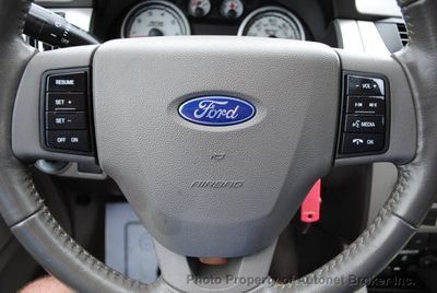 2009 Ford Focus 4dr Sedan SES - Click to see full-size photo viewer