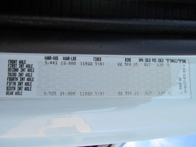 2009 Freightliner Business Class M2 106 Flatbed - 13954106 - 27