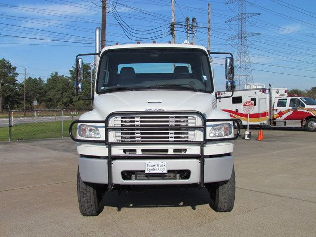 2009 Freightliner Business Class M2 106 Flatbed - 13954106 - 2