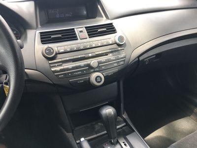 2009 Honda Accord Sedan 4dr I4 Automatic LX-P - Click to see full-size photo viewer