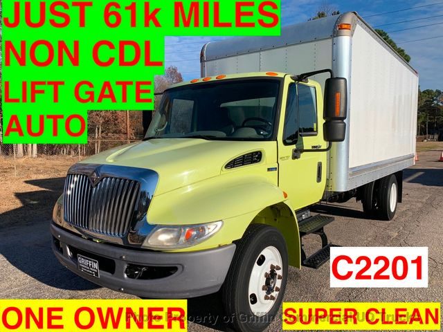 2009 International BOX TRUCK NON CDL JUST 61k MILES ONE OWNER LIFT GATE NC TRUCK! INCREDIBLE DEAL