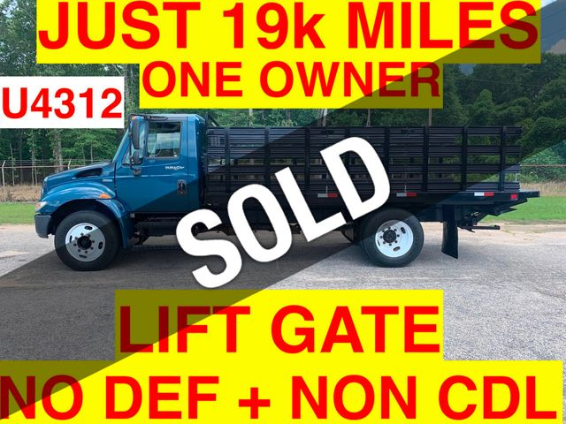 2009 International JUST 19k MILES NON CDL ONE OWNER LIFT GATE + NO DEF FLUID NEEDED