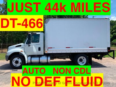 2009 International JUST 44k MILES!! NON CDL BOX UNDER 26K GVW ONE OWNER VA TRUCK!! LIFT GATE