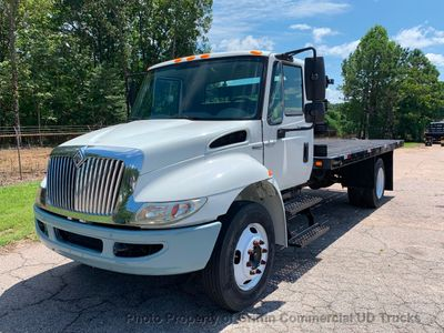 2009 International NO CDL UNDER 26K GVW JUST 16k MILES ONE OWNER SUPER CLEAN!! CRUISE CONTROL!! - Click to see full-size photo viewer