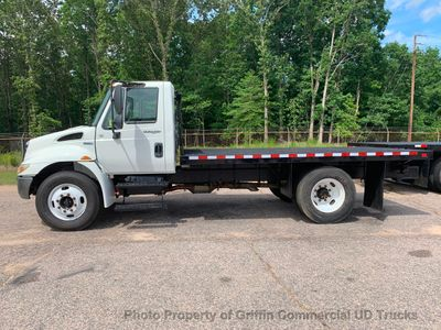2009 International NON CDL FLATBED JUST 44k MILES ONE OWNER ALLISON AUTO - Click to see full-size photo viewer
