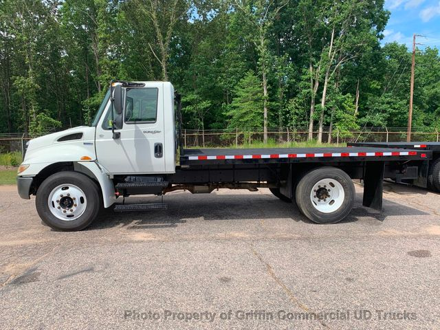 2009 International NON CDL FLATBED JUST 44k MILES ONE OWNER ALLISON AUTO