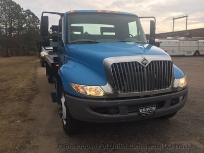 2009 International NON CDL FLATBED JUST 9k MILES ONE OWNER PINTLE HITCH SUPER CLEAN!! - Click to see full-size photo viewer