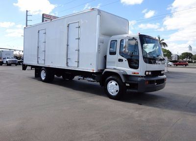 2009 Isuzu FVR 25,950LB GVWR UNDER CDL..26FT X 102 X 108 DRY BOX..
