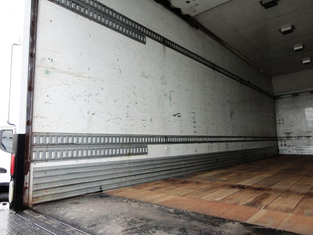 2009 Isuzu FVR 26FT DRY BOX TRUCK . CARGO TRUCK WITH LIFTGATE 25950GVW - 18450979 - 18