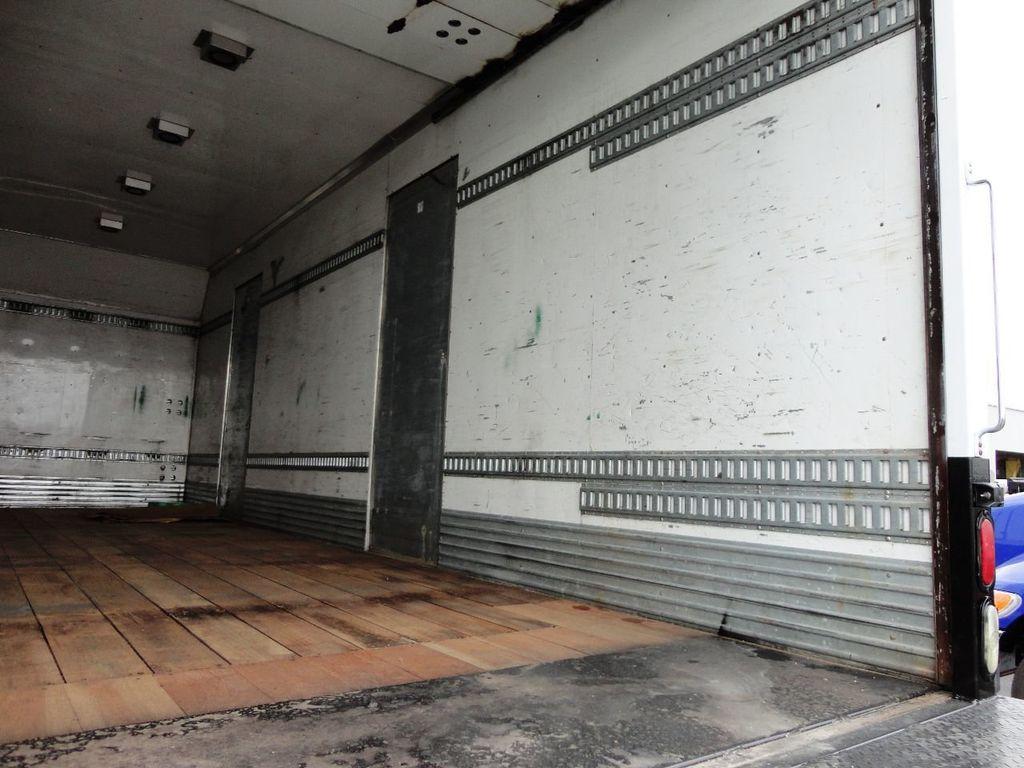 2009 Isuzu FVR 26FT DRY BOX TRUCK . CARGO TRUCK WITH LIFTGATE 25950GVW - 18450979 - 19