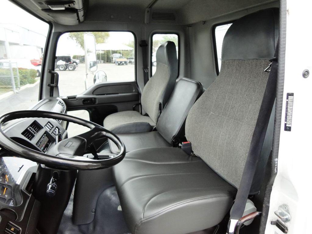 2009 Isuzu FVR 26FT DRY BOX TRUCK . CARGO TRUCK WITH LIFTGATE 25950GVW - 18450979 - 23