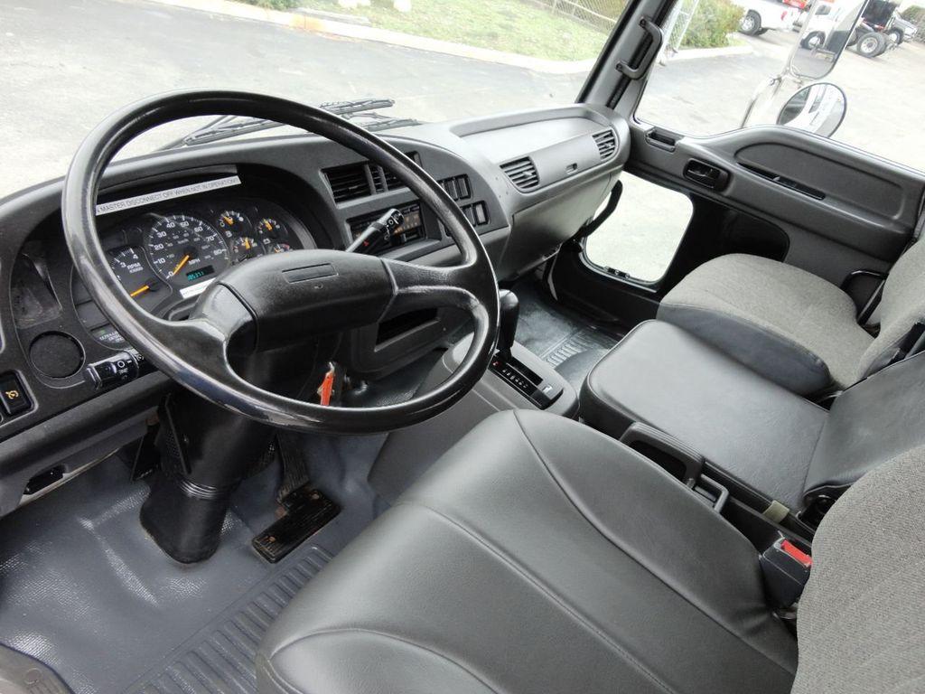 2009 Isuzu FVR 26FT DRY BOX TRUCK . CARGO TRUCK WITH LIFTGATE 25950GVW - 18450979 - 24