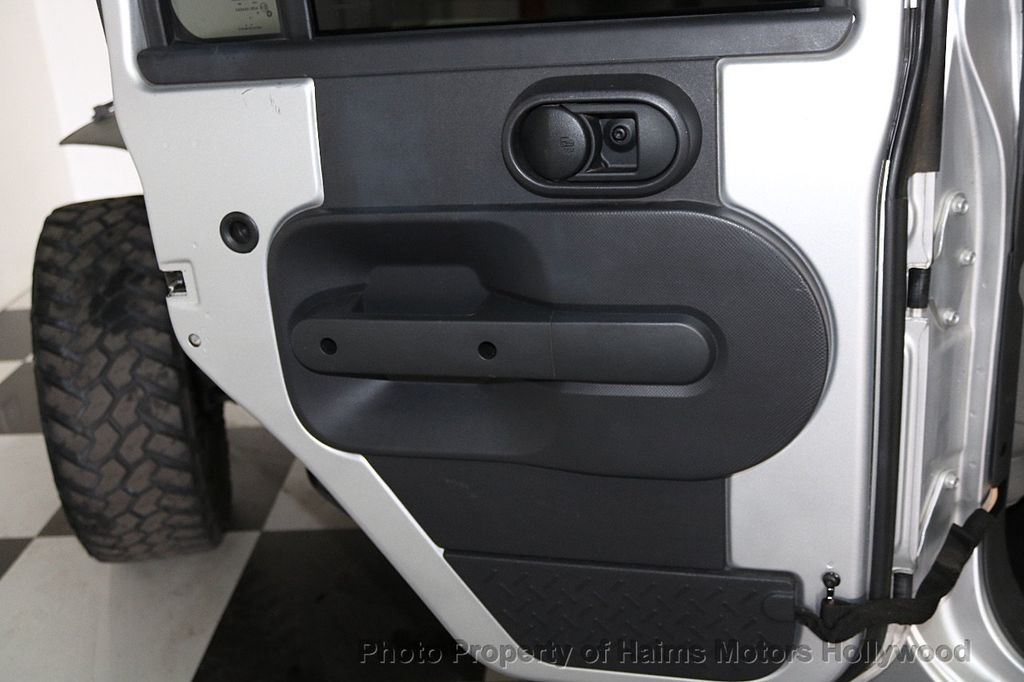 2009 Jeep Wrangler Unlimited 4WD 4dr X - 17622712 - 11