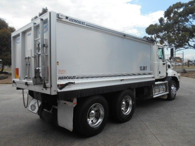 2009 Mack GRANITE tipper 6x4 - 18259050 - 1