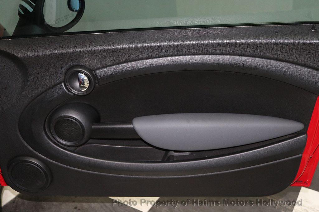 2009 MINI Cooper Hardtop 2 Door  - 18134459 - 9