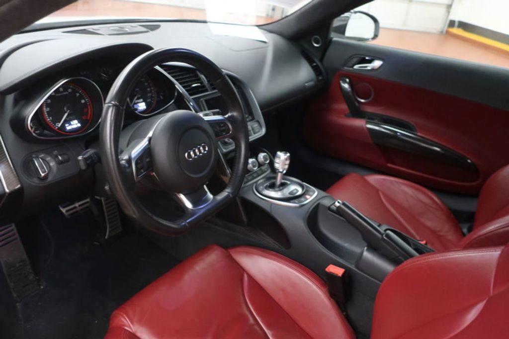 2010 Audi R8 2dr Coupe Automatic quattro 5.2L - 17404850 - 14