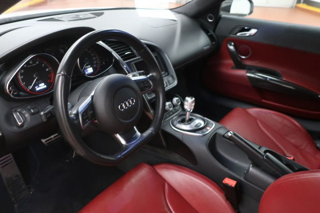 2010 Audi R8 2dr Coupe Automatic quattro 5.2L - 17404850 - 20