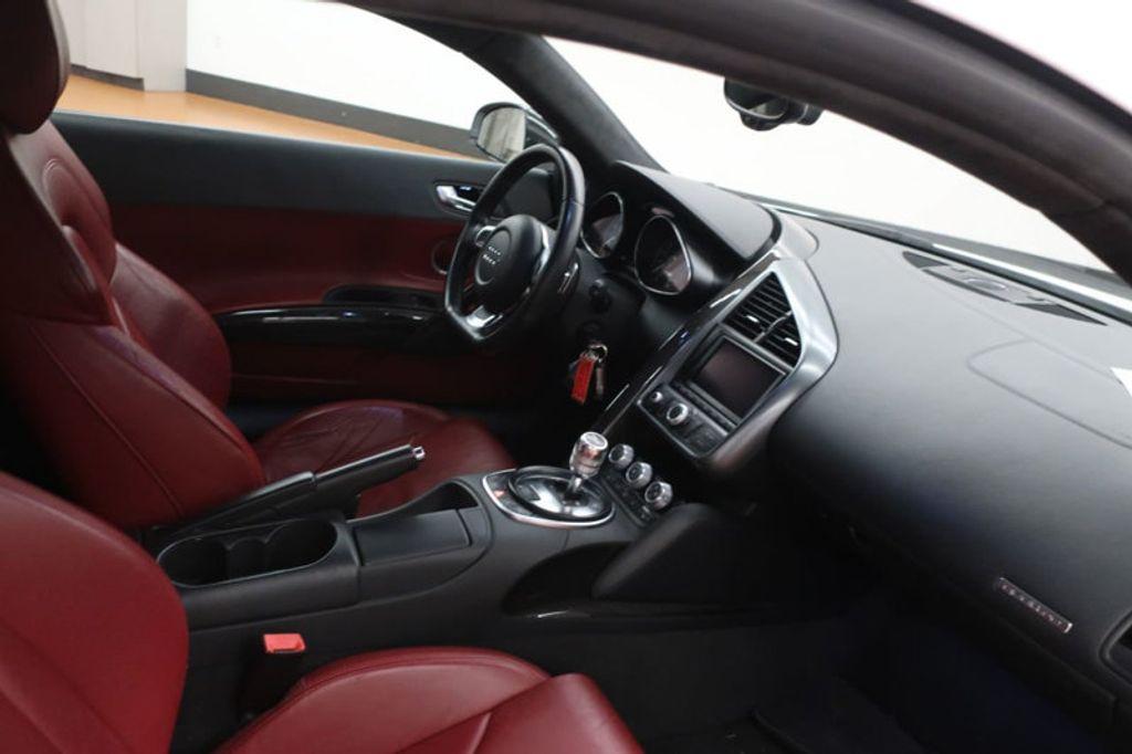 2010 Audi R8 2dr Coupe Automatic quattro 5.2L - 17404850 - 25