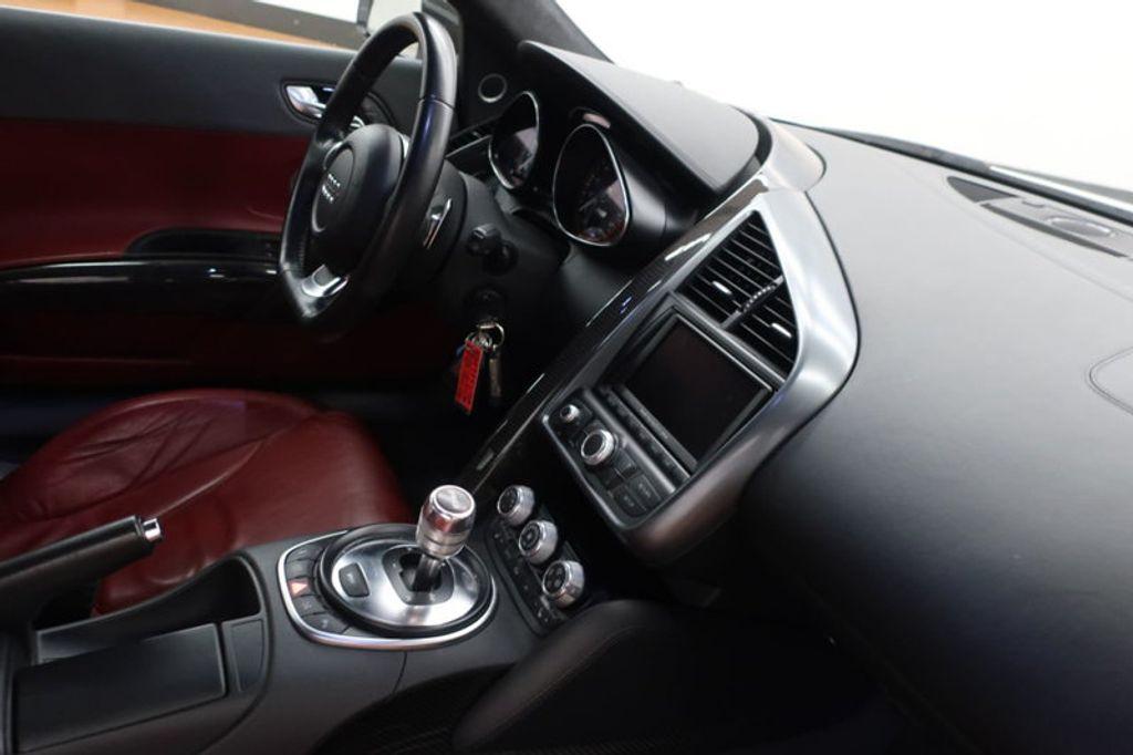 2010 Audi R8 2dr Coupe Automatic quattro 5.2L - 17404850 - 29