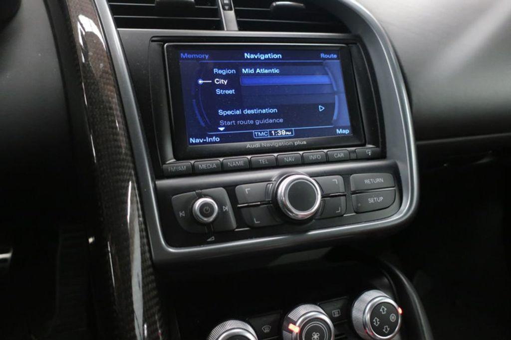 2010 Audi R8 2dr Coupe Automatic quattro 5.2L - 17404850 - 34