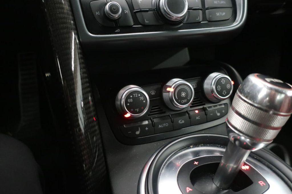 2010 Audi R8 2dr Coupe Automatic quattro 5.2L - 17404850 - 35