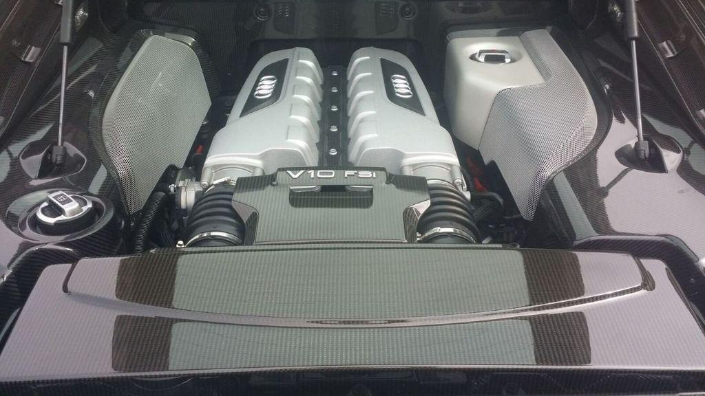 2010 Audi R8 R8 FSi Quattro 10 CYLINDER - 17521376 - 12