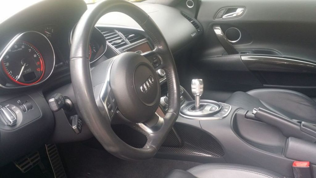 2010 Audi R8 R8 FSi Quattro 10 CYLINDER - 17521376 - 24