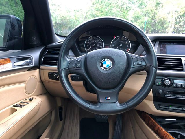 2010 BMW X5 48i - Click to see full-size photo viewer