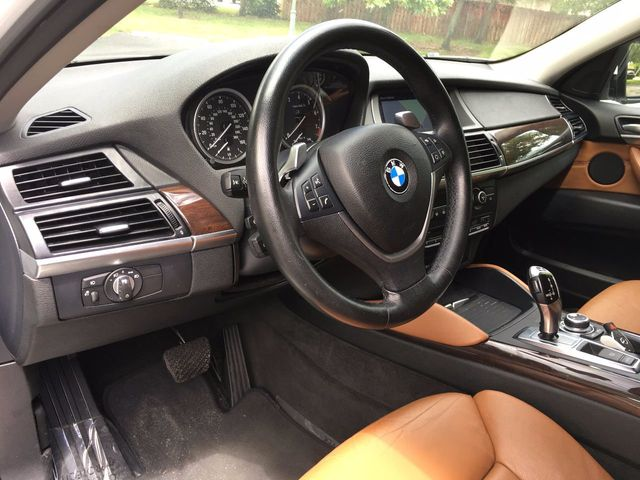 2010 BMW X6 35i - Click to see full-size photo viewer