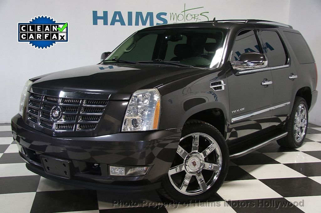 2010 Cadillac Escalade AWD 4dr Luxury - 16997666 - 0