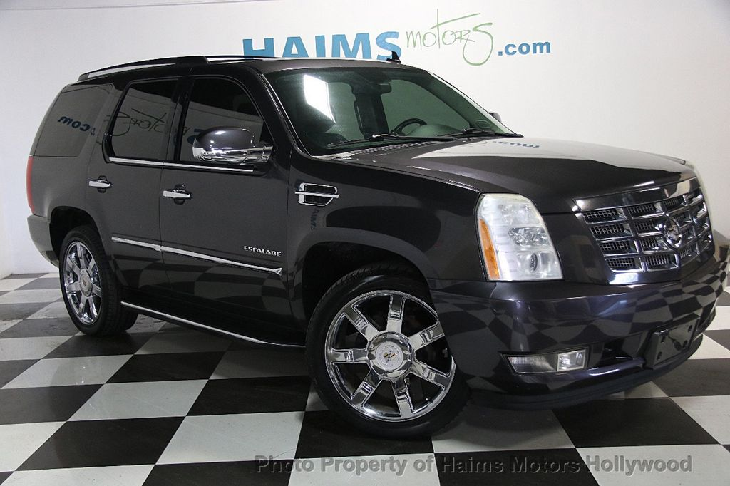 2010 Cadillac Escalade AWD 4dr Luxury - 16997666 - 3