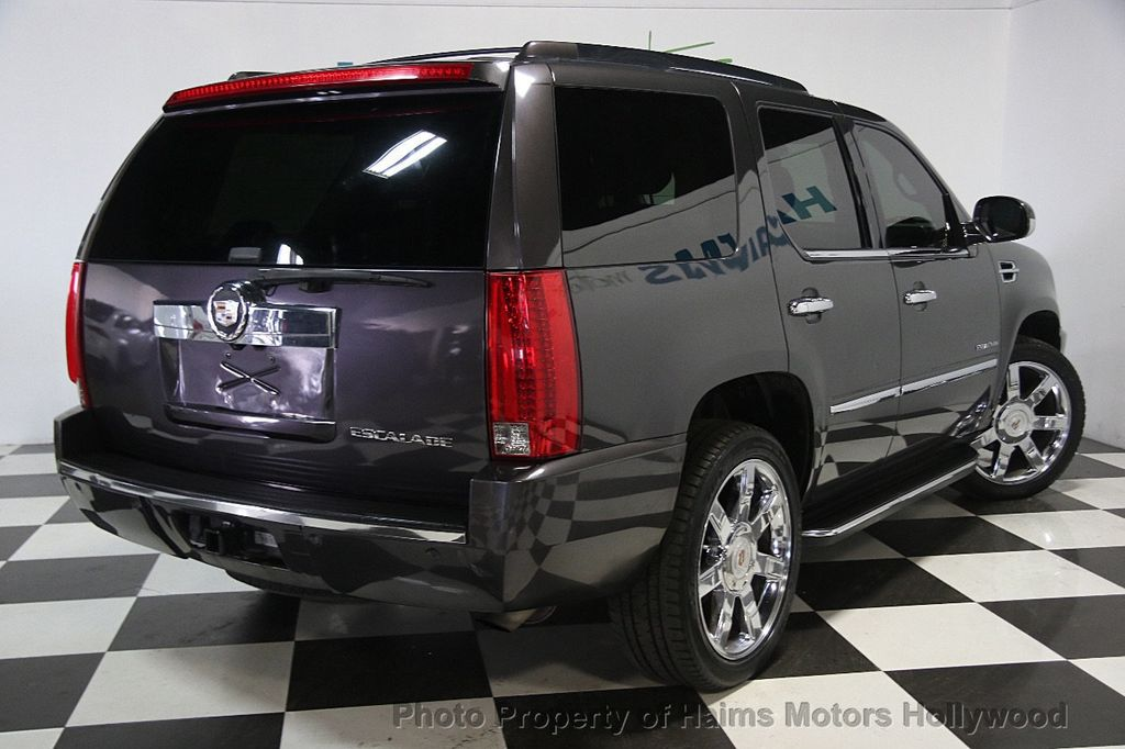 2010 Cadillac Escalade AWD 4dr Luxury - 16997666 - 6