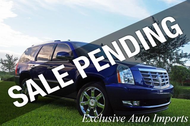 2010 Cadillac Escalade AWD 4dr Premium - Click to see full-size photo viewer