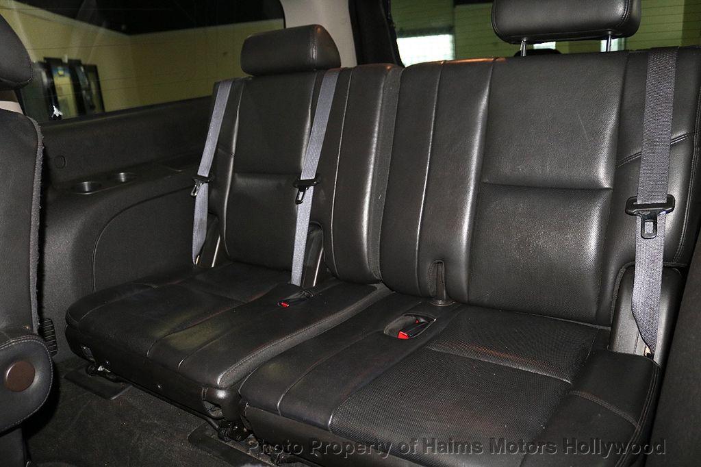 2010 Cadillac Escalade ESV Premium - 18668152 - 19