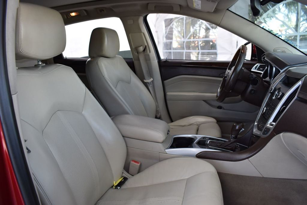 2010 Cadillac SRX FWD 4dr Performance Collection - 18415843 - 23