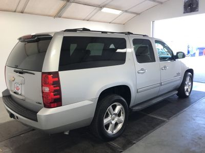 2010 Chevrolet Suburban 2WD 4dr 1500 LT SUV - Click to see full-size photo viewer