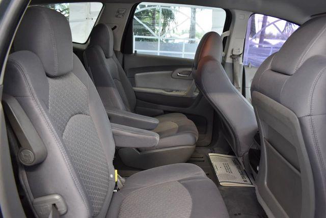 2010 Chevrolet Traverse FWD 4dr LT w/1LT - 11782751 - 21