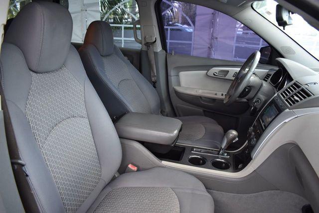 2010 Chevrolet Traverse FWD 4dr LT w/1LT - 11782751 - 24