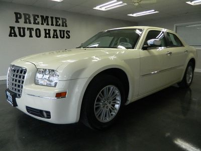 2010 Chrysler 300 2010 CHRYSLER 300 TOURING  - Click to see full-size photo viewer