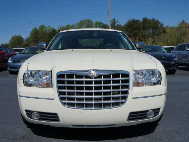 2010 Chrysler 300 4dr Sdn Touring Signature AWD - 11951636 - 19