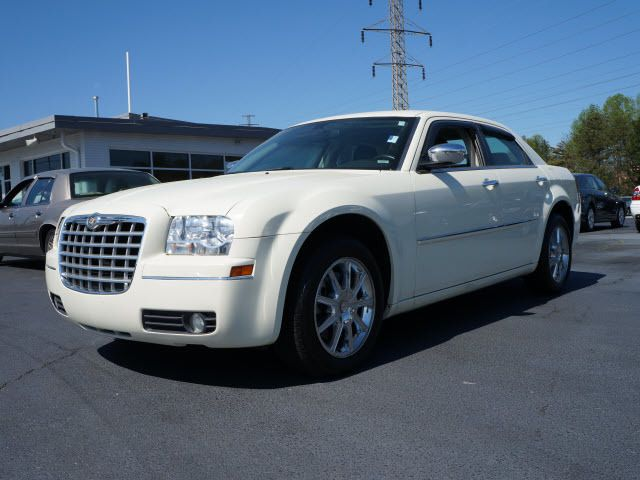 2010 Chrysler 300 4dr Sdn Touring Signature AWD - 11951636 - 3