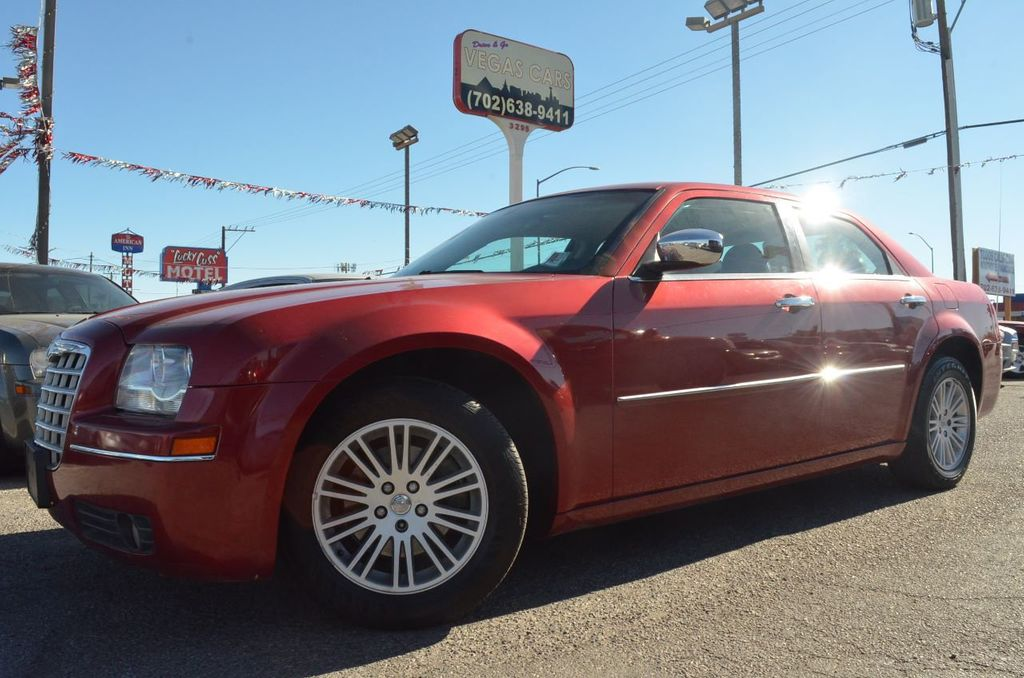 2010 Chrysler 300 4dr Sedan Touring Signature RWD - 17357742 - 0