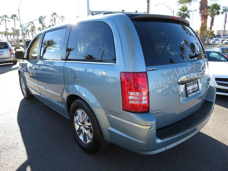 2010 Chrysler Town & Country 4dr Wagon Limited *Ltd Avail* - 17139783 - 12