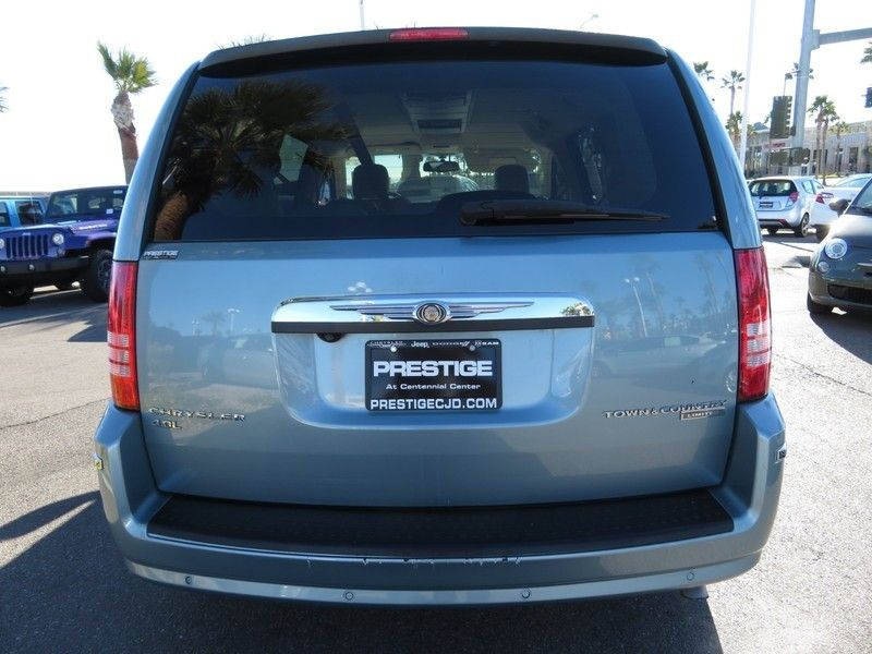 2010 Chrysler Town & Country 4dr Wagon Limited *Ltd Avail* - 17139783 - 13