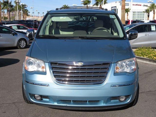 2010 chrysler town & country new limited