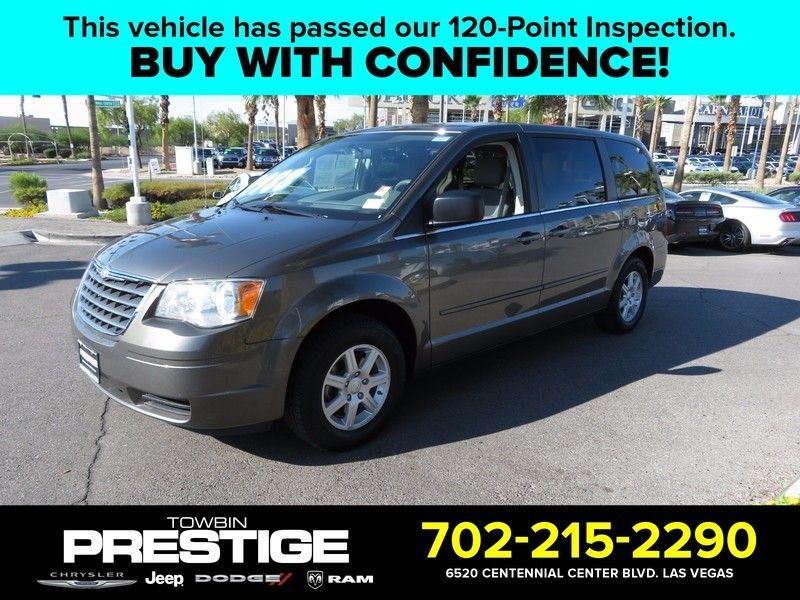 2010 Chrysler Town & Country 4dr Wagon LX - 16790493 - 0