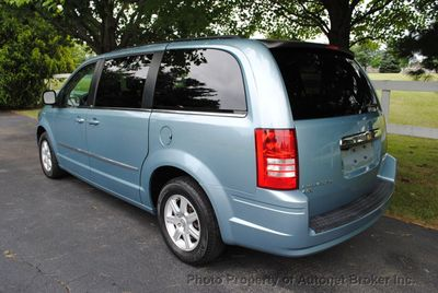 2010 Chrysler Town & Country 4dr Wagon Touring - Click to see full-size photo viewer