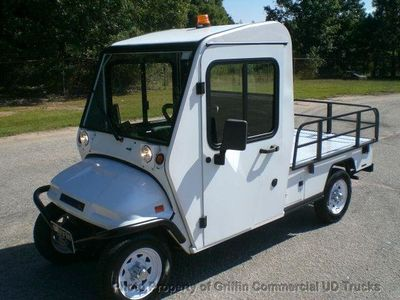 2010 COLUMBIA LSV UTILITY STREET LEGAL- TAX CREDIT PLUG IN ELECTRIC! REMOVABLE DOORS - Click to see full-size photo viewer